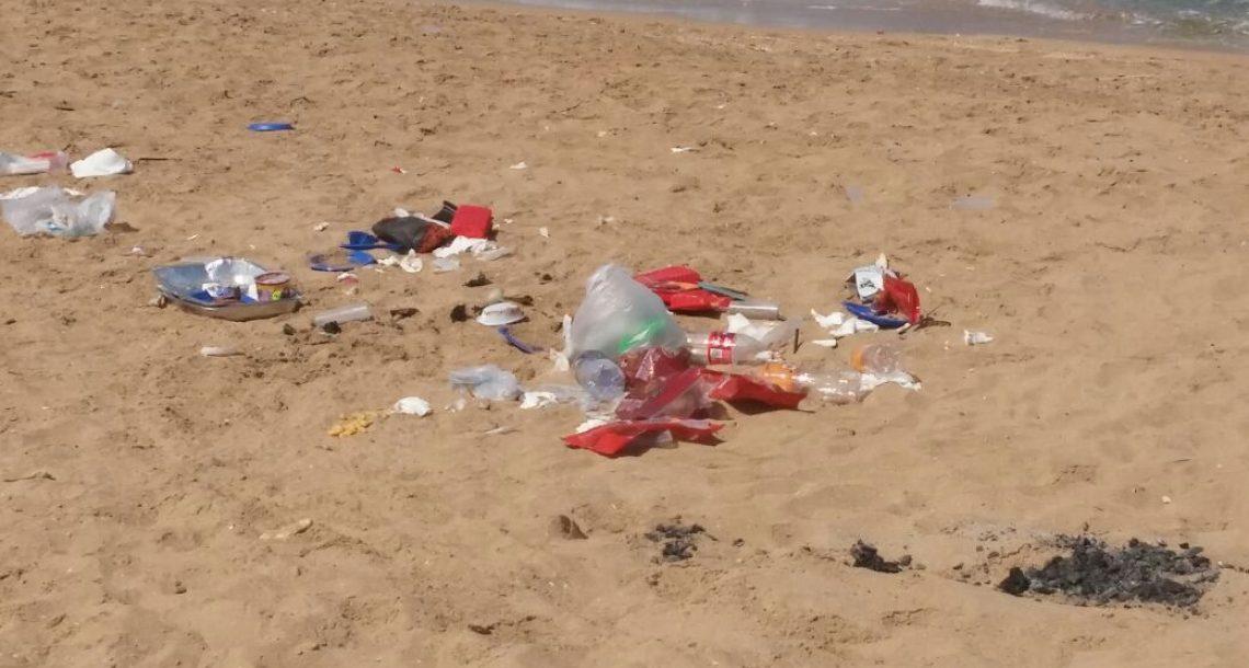 """דו""""ח בינלאומי: חופי תל אביב במקום שלישי בים התיכון בזיהום פלסטיק. """"צלול"""": יש להשקיע הרבה יותר בחינוך ובהסברה"""