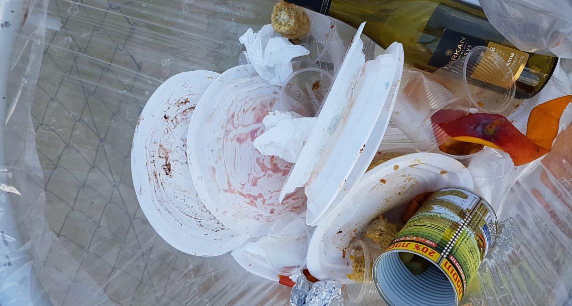 ארגוני הסביבה לשר כץ: הטל מס על כלים חד פעמיים